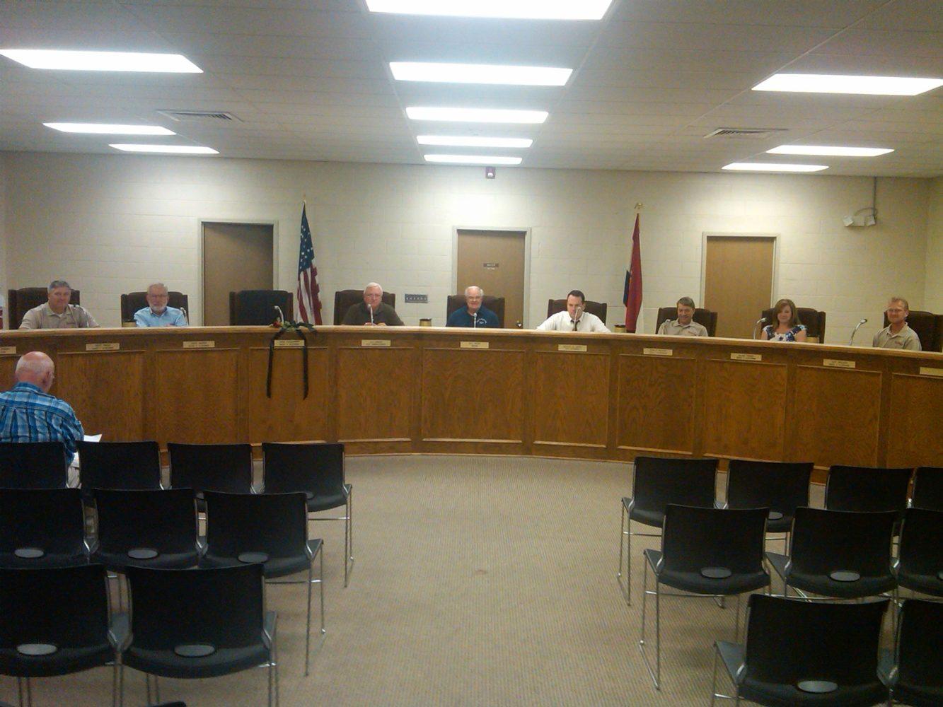 Higginsville Alderman Meet on Light Agenda