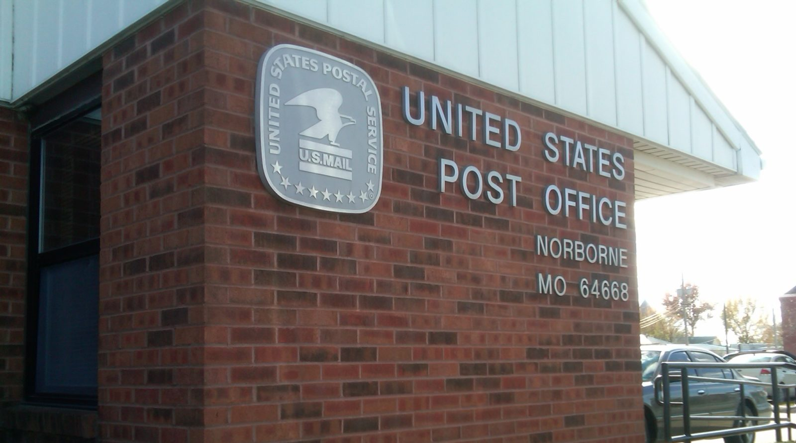 Residents Deal With Plan to Cut Post Office Hours