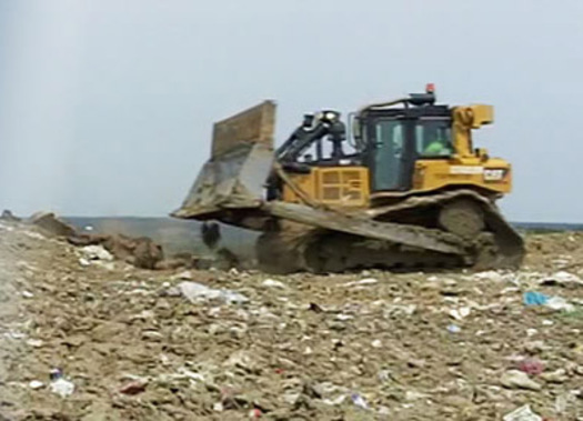 Congressional group pushes for landfill oversight change