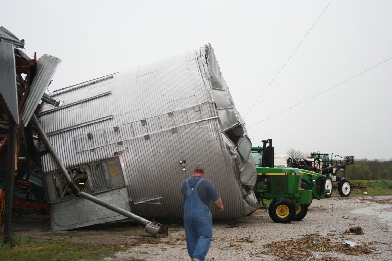 Tornado confirmed near Memphis