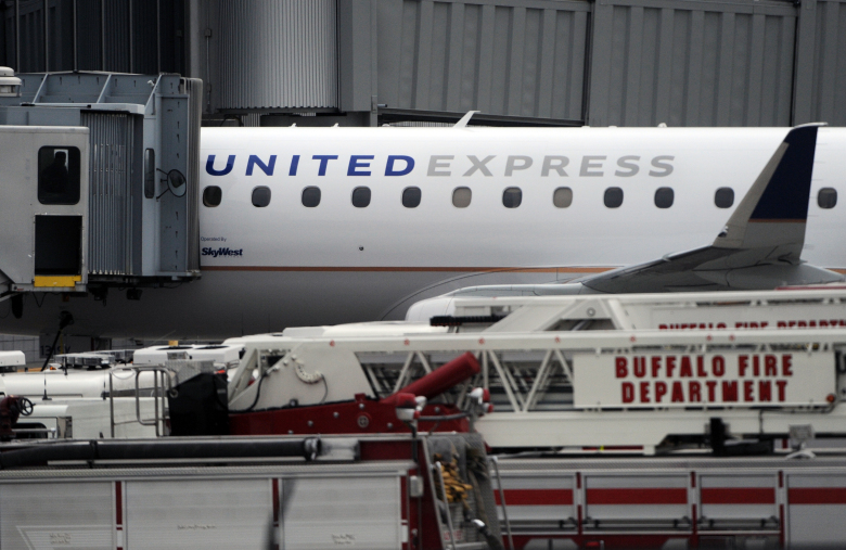 Plane diverts to Ohio airport after alleged threats by flier
