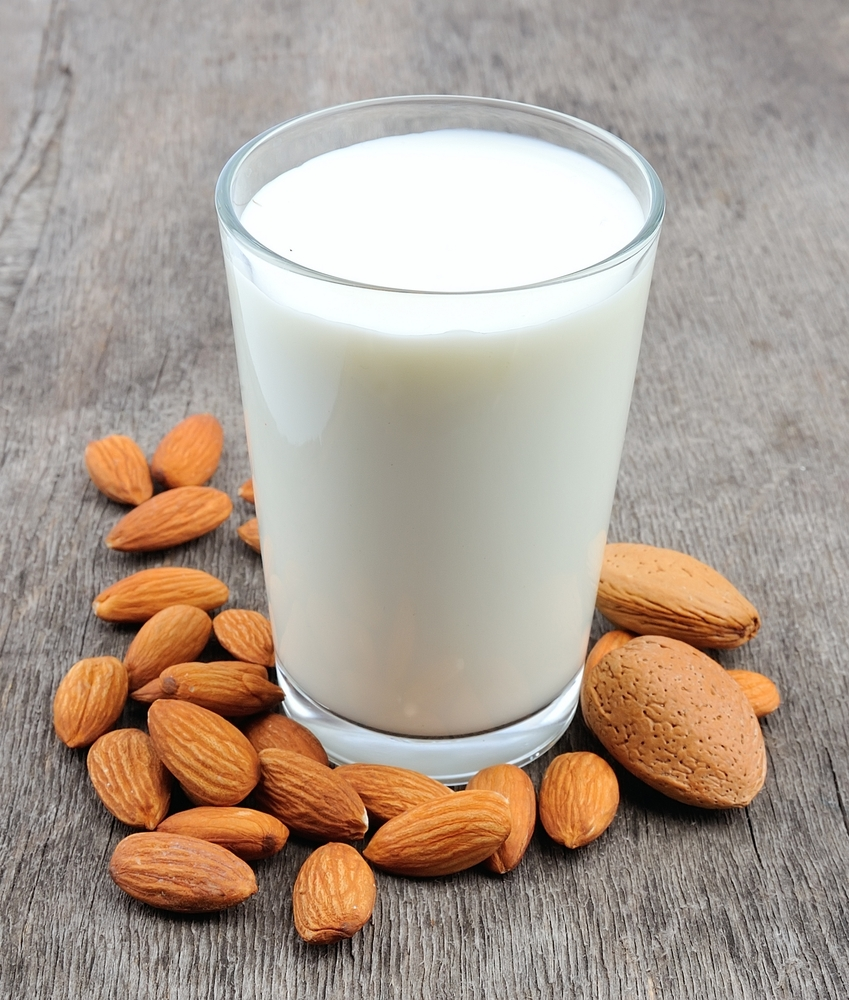 Fact or Fad: The Benefits of Almond Milk