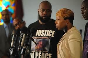 2016 trial set for Brown family's suit against Ferguson
