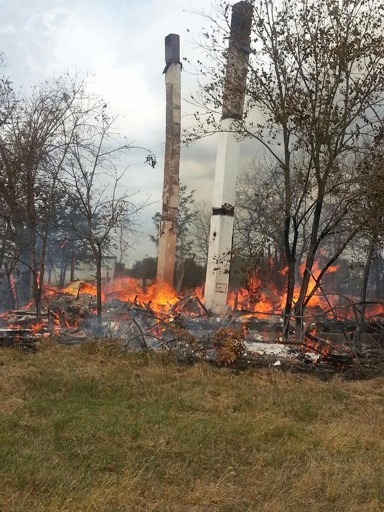 Livingston County blaze destroys rural home