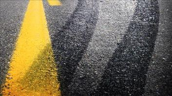 Flat tire causes injury crash in Lafayette County