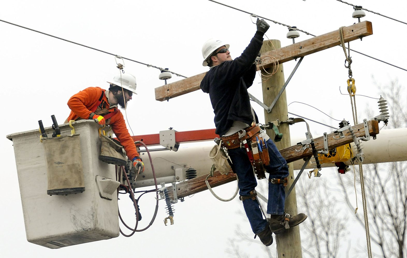Kansas City Power and Light to lower electric bills temporarily