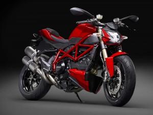 2015-Ducati-Streetfighter-848-07