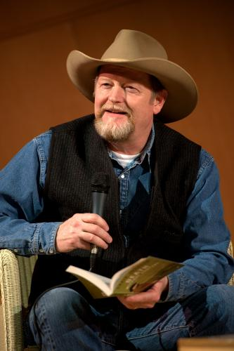 Award-winning author, Craig Johnson, to visit Chillicothe
