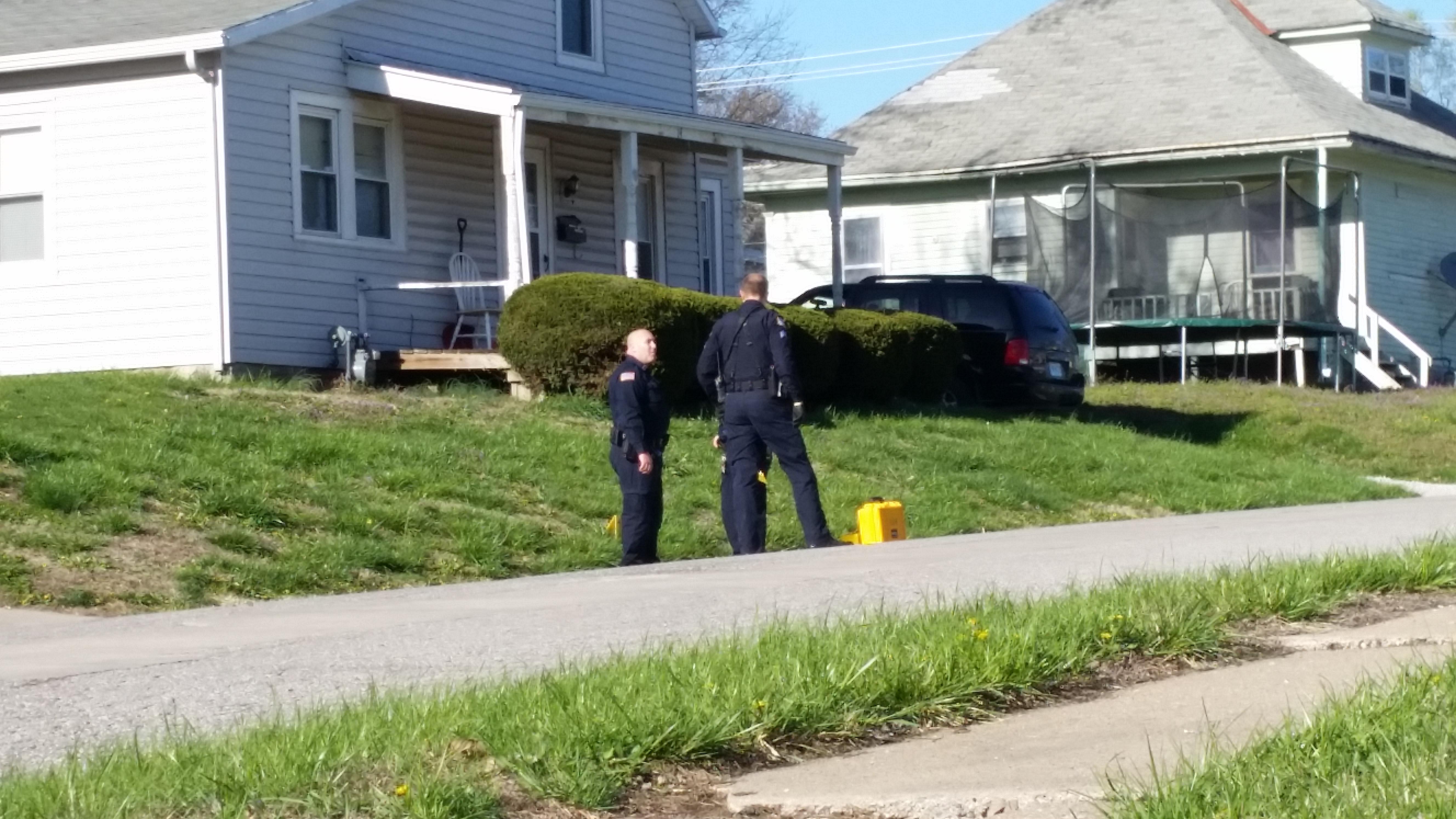 UPDATED: Police investigating shooting in Higginsville street