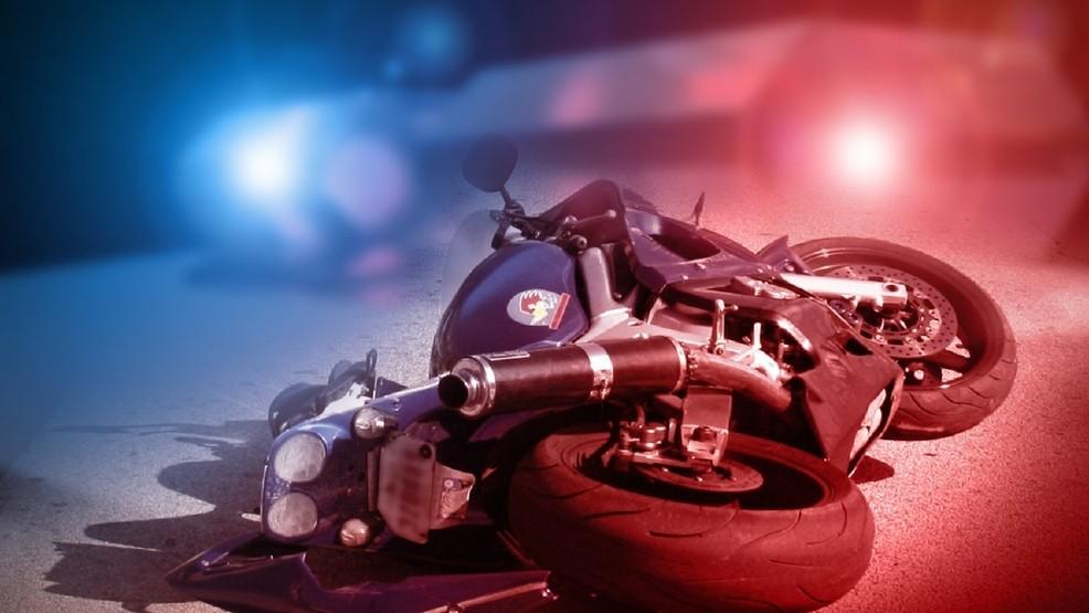 Motorcycle crash injures one in Howard