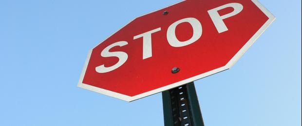 Kearney man injured after failing to stop at a stop sign