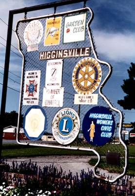 City of Higginsville presents service awards