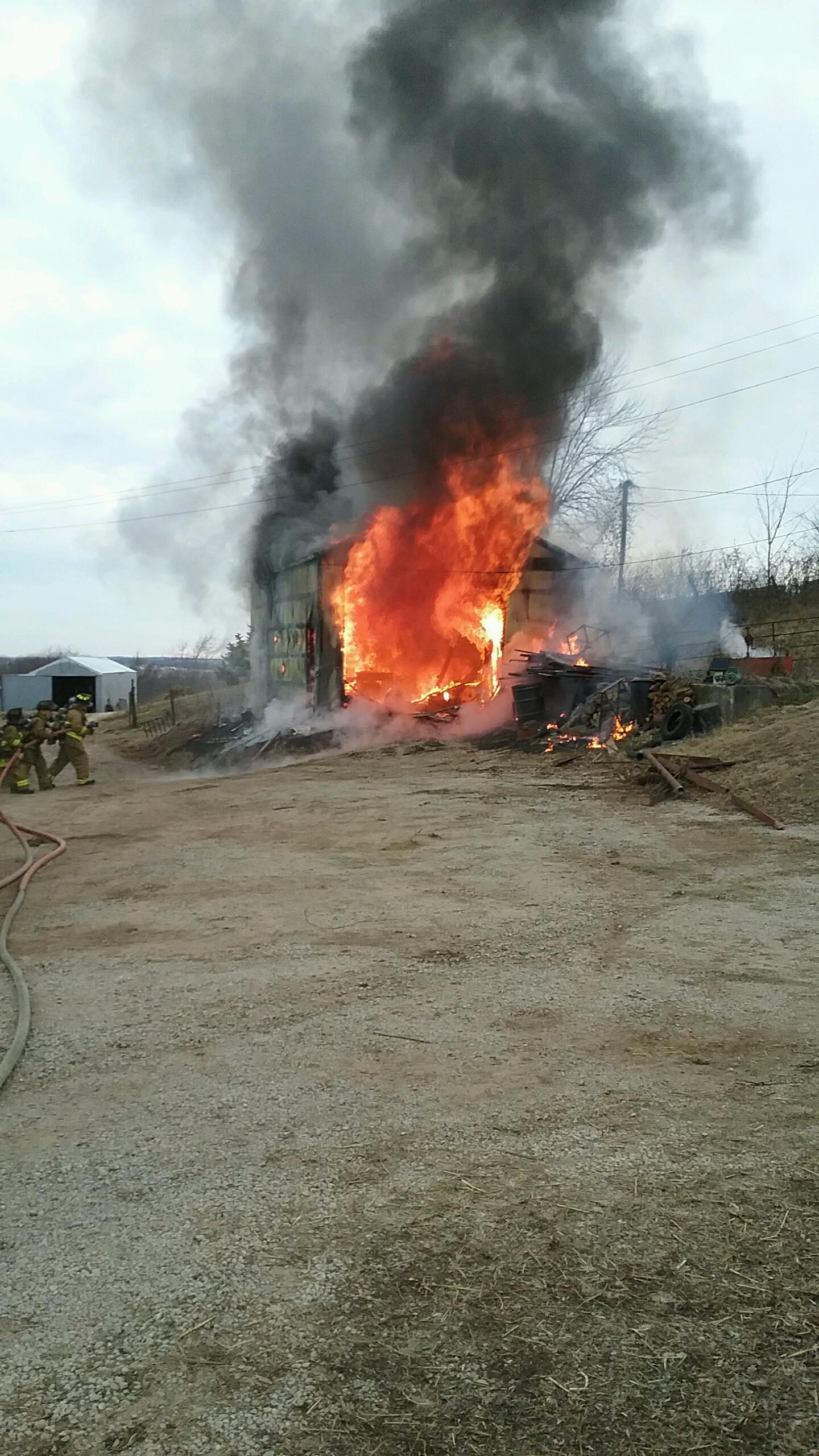 Fire in Wellington damages structure