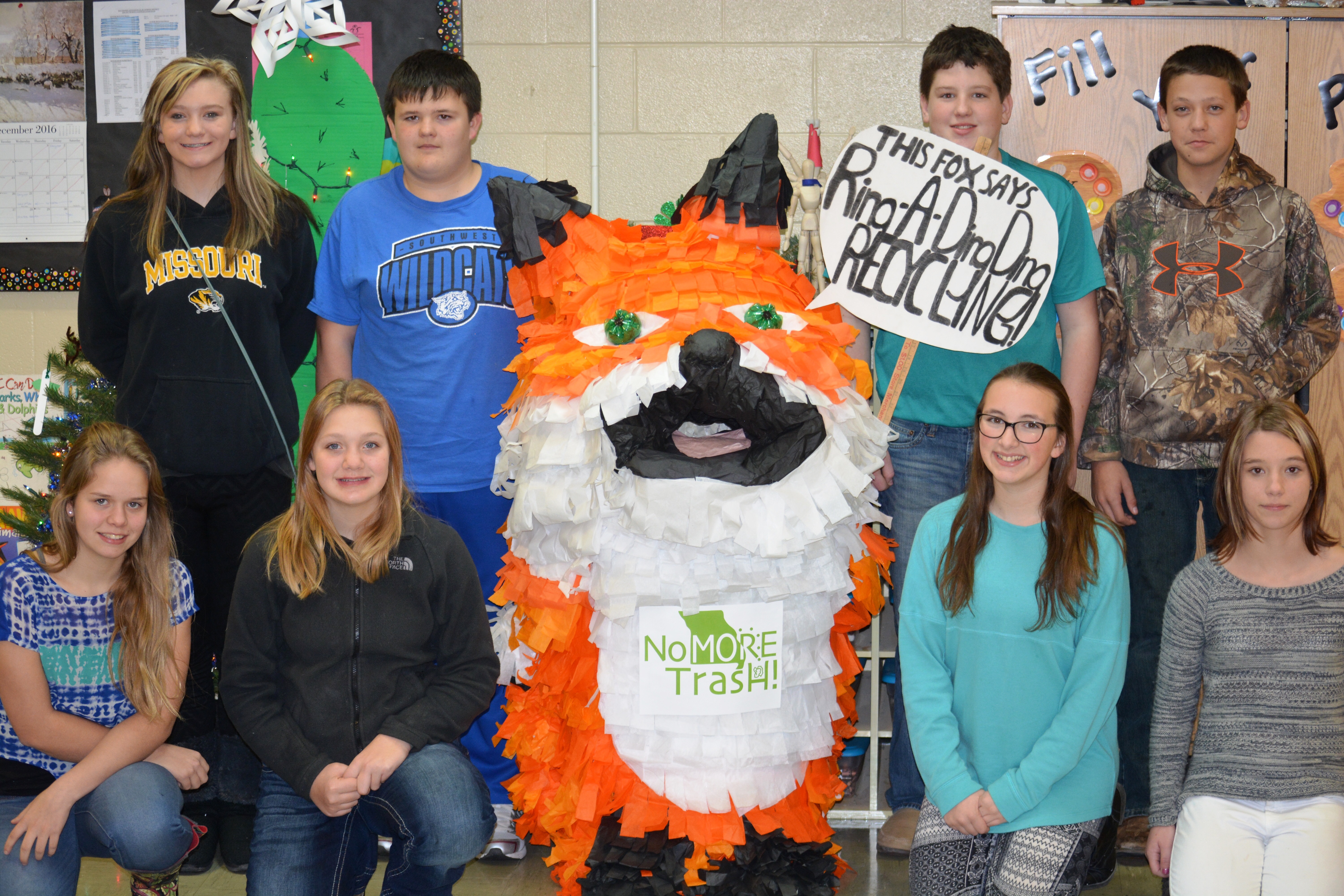 Livingston County Students win MDC and MoDOT trashcan decorating contest