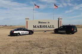 Marshall Police in search for suspect in a mini-van
