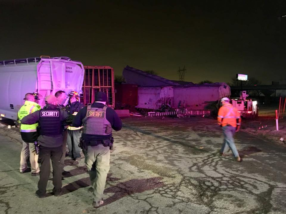 Train cars derail in Clay County
