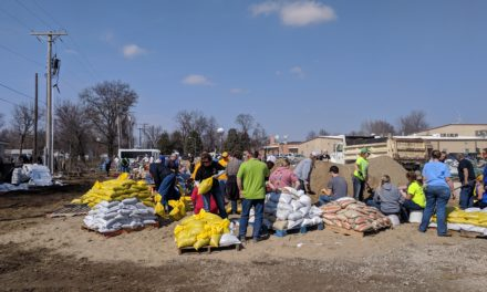 Sandbagging efforts underway Sunday in Carroll, Ray and Saline Counties