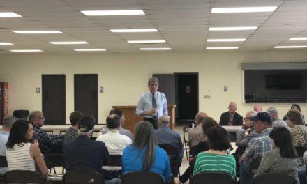 "Community members voice frustration with Missouri River management policies, Sen. Blunt praises ""model"" sandbagging operation"