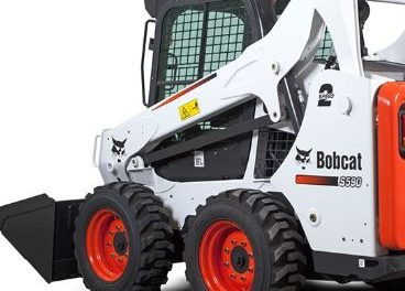 Bobcat accident kills a California Missouri man