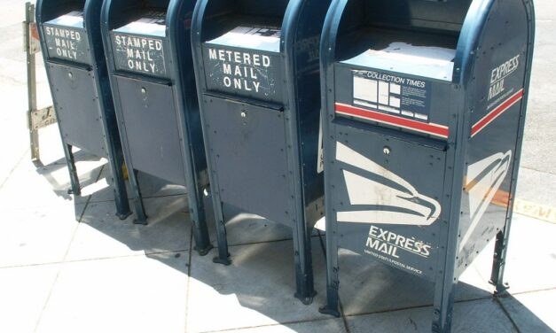 Court: Missouri mail-in ballots cannot be returned in person