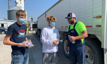 Hardin-Central students show their appreciation for local farmers