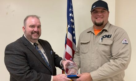 Carrollton Utility superintendent presented with public utilities award