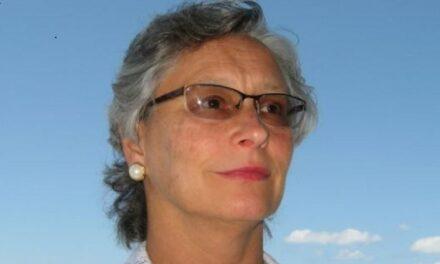 """Tracey """"T"""" Lynn Lewis"""
