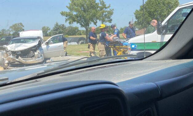 Three injured in Saline County crash